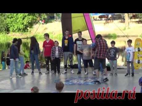 Street dance: Poppin' dance D-JuNe. Summer Jam with kids! - YouTube