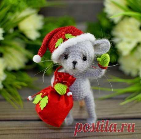 СХЕМА вязания новогоднего мышонка амигуруми #схемыамигуруми #амигуруми #вязанаяигрушка #игрушкикрючком #вязанаямышь #amigurumipattern #crochetmouse #amigurumimouse