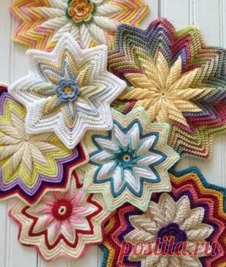 https://www.crochetwebsites-free.com/2020/05/crochet-flower-pad-tutorial-free.html #crochetgift #crochetdreads #crochetchristmas #crochet365 #crochetideas #crochetgifts #crochetclothing #crochetmania #crochetaccessories #crochetarrings #crochetnecklace #cutecrochet #crochetheadband #crochettwists #crochetedwithlove #crochetcowl #crochetbabyshoes #crochetbooties #crochetbear #crochetbraid #crochetgirl #crochetstyle