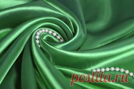 Как вывести жирное пятно с шелковой ткани?