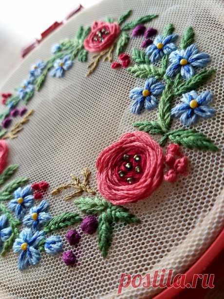 Как вышить объемную розу на фатине очень простым способом   ВЕРА БУРОВА, канал про вышивку   Яндекс Дзен
