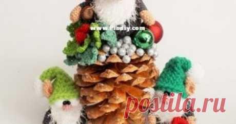 Рождественские гномы Рождественские гномы амигуруми от Pindiy. Схема вязания гномика крючком.