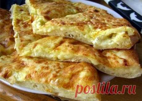 Хачапури на завтрак      Ингредиенты:Сыр твердый (тертый) — 200 гУкроп (зелень ) — 100 гЯйцо куриное — 2 штСметана — 200 гМука пшеничная — 2 ст. л.Масло растительное — 2 ст. л. Приготовление: Выкладываем все продукты сра…