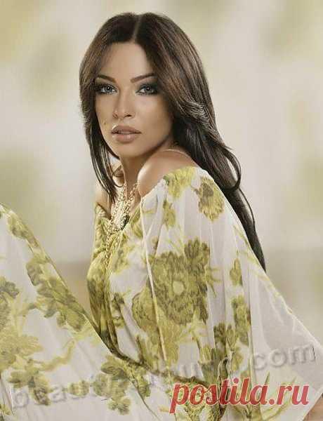 Надин Нассиб Нджеим, ливанская модель, королева красоты, актриса