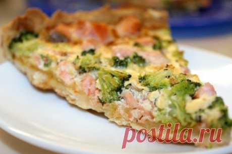 Записки шеф-повара / Сочный и вкусный пирог с брокколи и лососем.