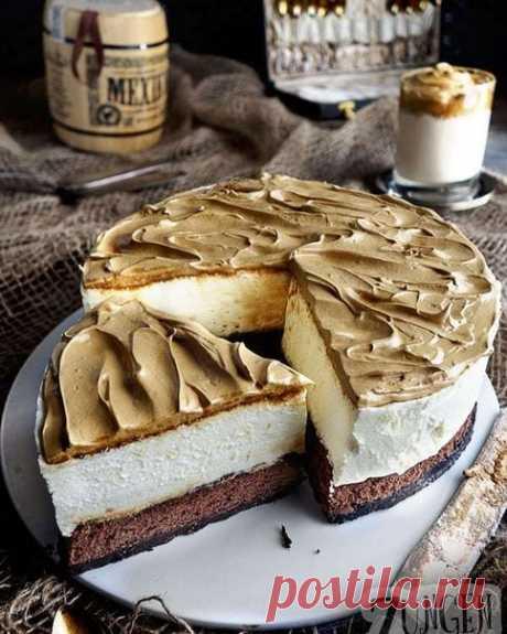 Муссовый торт из белого шоколада и кофейным кремом ⠀