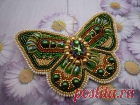 "Brooch"" Golden-Green Butterfly "" from Beads and Swarovski | CozyElegantCrafts on ArtFire"