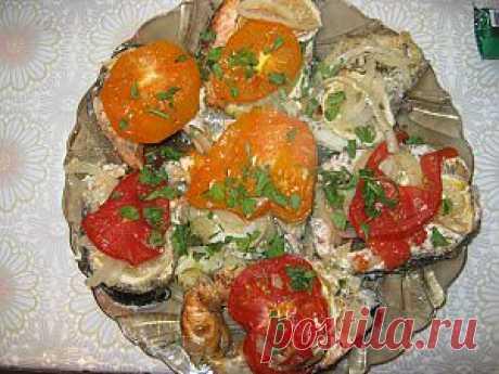 Рыба запеченная с помидорами | 4vkusa.ru