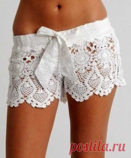 Openwork knitted shorts by summer!!! Any daughter or the granddaughter will be glad if you connect such shorts fashionable now!