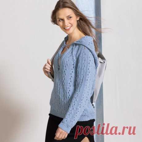 Голубой ажурный пуловер с капюшоном