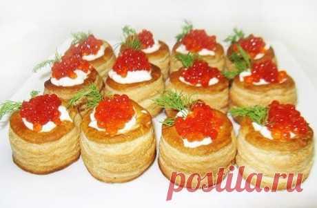 Тарталетки с сырно-крабовым салатом и икрой | Самые вкусные кулинарные рецепты