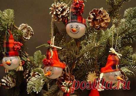 Елочные игрушки из лампочек: кладезь идей для новогоднего декора.