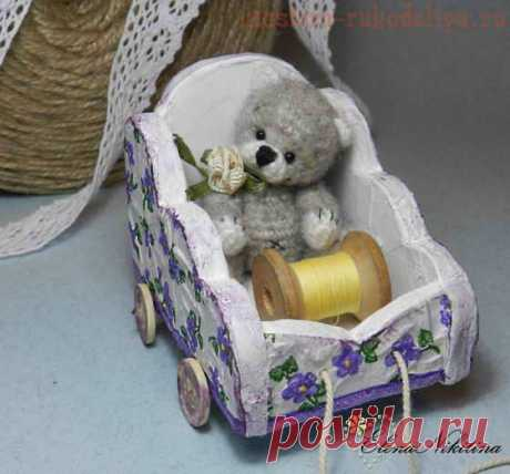 Master class in cardboard articles: The cart for a bear from a cardboard