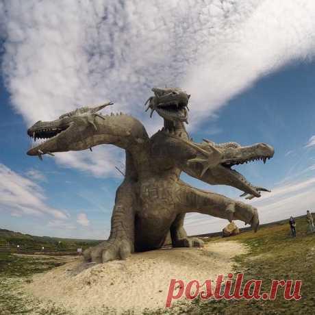 Змей Горыныч в семейном парке Кудыкина Гора  Фото: alxndr_zombie
