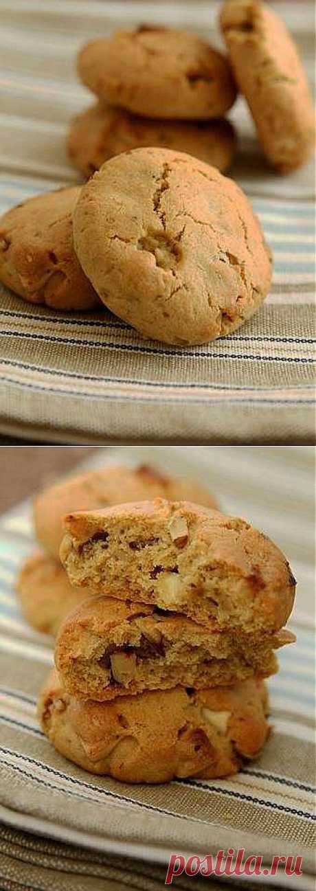 Вкусное печенье с белым шоколадом и орехами