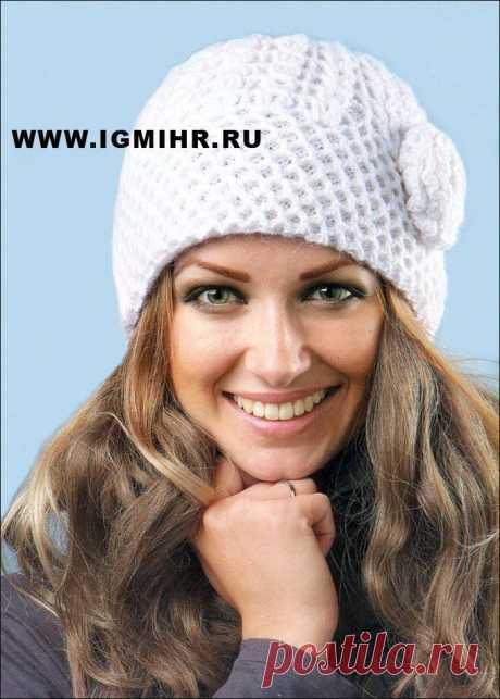 Теплая белая шапочка на вязаной подкладке. Крючок и Спицы