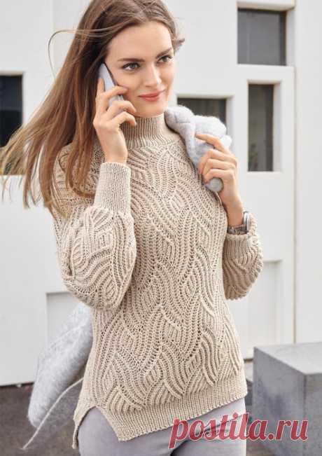 Очаровательный бежевый свитер с красивым рельефным волнообразным узором!