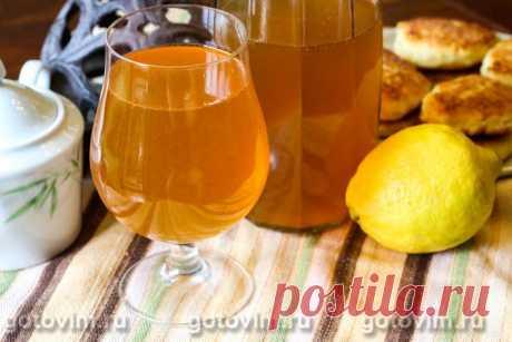 Карамельный лимонад. Рецепт с фото Рецептов домашнего лимонада намного больше, чем кажется. К примеру, как вам идея карамельного лимонада? Нотка жженого сахара в лимонном напитке делает напиток особенным, отличным от традиционных. Количество сахара регулируйте по своему вкусу, но постарайтесь не переборщить со сладостью, и не перебить свежий вкус и аромат лимона.