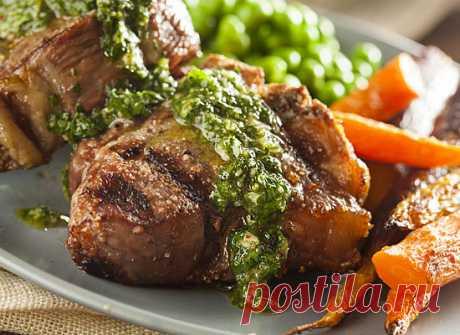Чимичурри тебе: готовим пикантный соус для жареного мяса