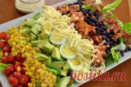 Американский кобб-салат из овощей с индейкой - рецепт с фото пошагово Американский кобб-салат из овощей с индейкой - пошаговый кулинарный рецепт приготовления с фото, шаг за шагом.