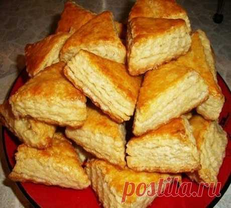 Замечательный рецепт на каждый день: печенье на кефире. Готовится минуты!