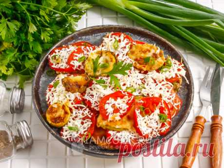Кабачки по-молдавски — рецепт с фото Овощное блюдо готовится за 30 минут в два этапа: обжаривание и запекание. По желанию можно добавить лук, чеснок, приправы, пряности.