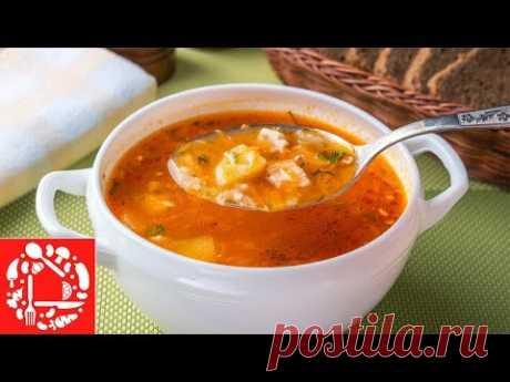 Простой томатный Суп с Курицей и Рисом ИНГРЕДИЕНТЫ: вода - 3 л куриные окорочка - 2 шт. картофель - 300 г рис - 100 г лук - 2 шт. морковь - 2 шт. томатная паста - 70 г аджика - 1 ст. л. паприка сладкая молотая - 1/2 ч. л. перец черный молотый - по вкусу лавровый лист - 1 шт. соль - 1/2 ст. л. масло растительное (для жарки) - 2 ст. л.