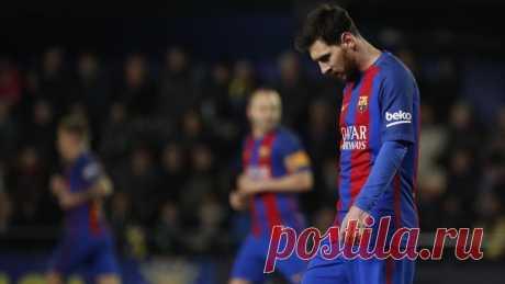 Лапорта призывает руководство «Барселоны» уйти в отставку Бывший президент ФК «Барселона» Жоан Лапорта возмущен теми скандалами, которые окружают родной ему клуб. Он разместил на свой странице в твиттере запись,