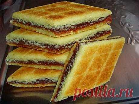 Брадж - традиционное алжирское печенье.