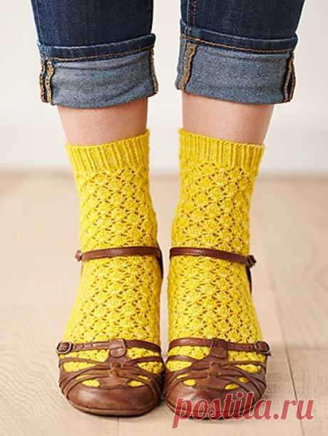 """Ажурные носочки """"Ananas"""" от Clare Devine."""