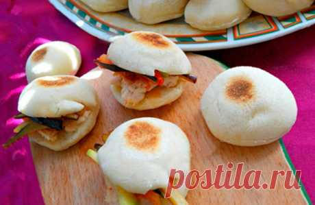 Мини-булочки на сухой сковороде: воздушные внутри, превосходная основа для бутербродов! | Четыре вкуса