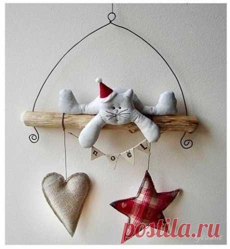 Все про петушков, а я про котиков! Но тоже новогодних!)))