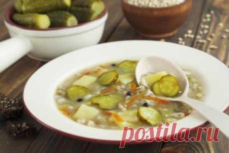 Традиционный рассольник: тонкости приготовления Как правильно готовить рассольник, какую крупу использовать, на каком мясе варить бульон и какие ингредиенты добавлять в суп? Раскрываем основные секреты этого блюда.
