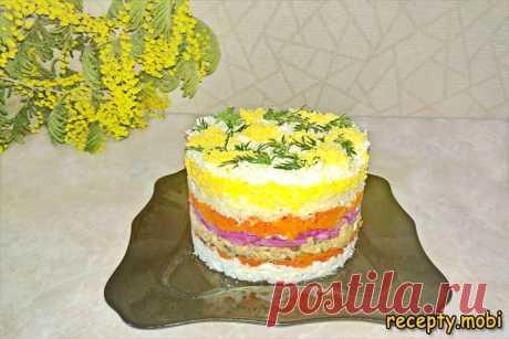 Салат «Мимоза» с рыбными консервами и сыром  ✅Ингредиенты яйца – 5 шт; морковь – 1-2 шт; скумбрия – 1 банка; лук репчатый (красный) – 1 шт; сыр твёрдый – 100 г; майонез – 2-3 ст. л; масло сливочное – 80-100 г; соль, сахар, уксус (9%) - по вкусу.