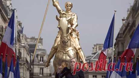 Марин Ле Пен призвала провести референдум по членству  в Евросоюзе | РИА Новости