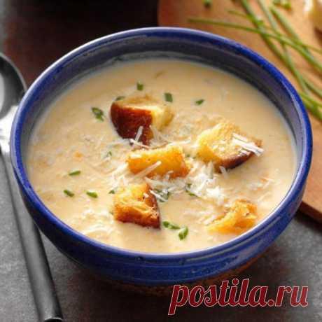 👌 Сырный суп с гренками за 25 минут, рецепты с фото Если очень хочется ароматного горячего супчика, а времени для его готовки почти нет, презентуем наш экспресс-рецепт приготовления сырного супчика на молоке, который подаем с пряным...