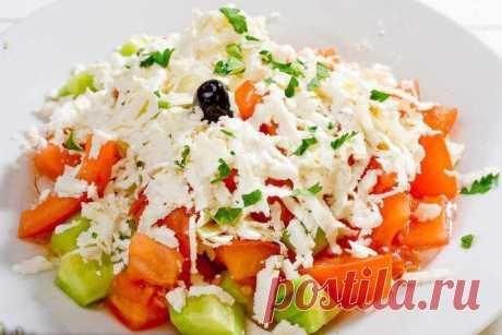Очень яркий, свежий и пикантный: Шопский салат — Вкусные рецепты