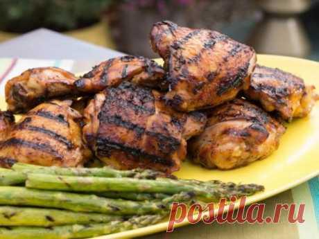 👌 Куриные бедрышки барбекю - просто и вкусно, рецепты с фото Идеальный маринад для куриных бедрышек найден! Такая закуска отлично подойдет для летнего пикника или домашних посиделок, ведь вы можете приготовить их как на гриле, так и в духовк...