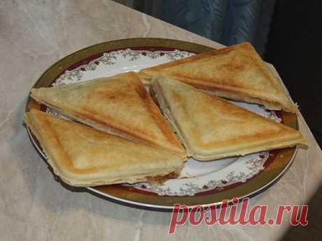Пирожки из слоеного теста с начинкой из яблок | vkusnomir.ru
