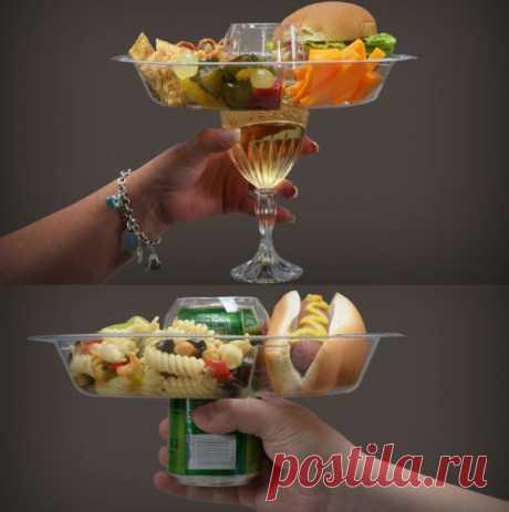 El plato para los picnics y las veladas. Se puede comprar en thefancy.com por 35$ (21шт.).
