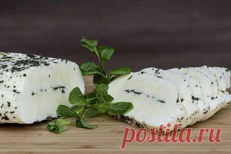 Экспресс комплекс для изготовления домашнего сыра за 24 часа Домашняя сыроварня ???? состоит из полного набора компонентов, необходимых для правильного и быстрого приготовления вкусного продукта. Такая закваска является совершенно новой концепцией на рынке – для приготовления сыров из заквасок производства других брендов необходимо докупать множество ингредиентов, таких, как дополнительные ферменты, культуры, образующие характерный аромат, кальций и другое. При том самосто...
