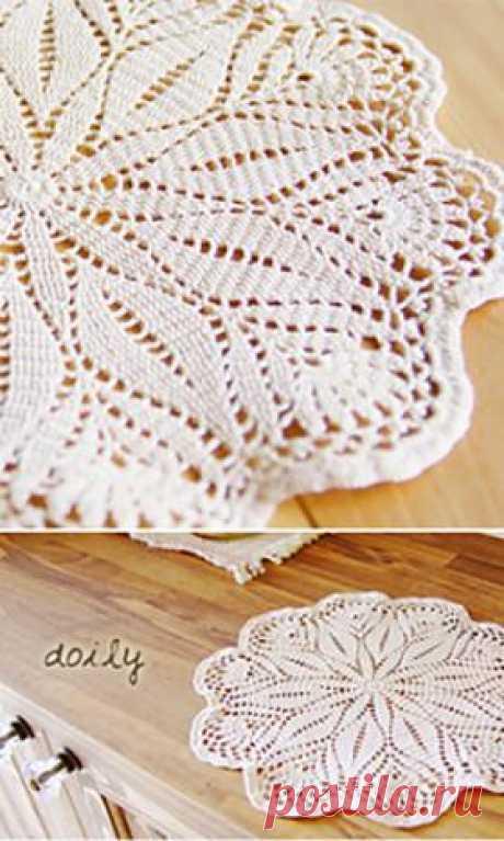 Кружевная салфетка Красивая воздушная салфетка выполнена вязанием по кругу крючком. Для вязания выбирайте тонкую хлопковую пряжу классического белого цвета. Такая...