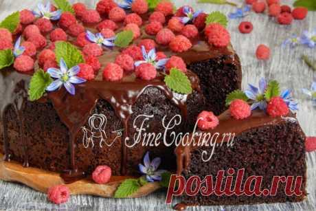 Простой шоколадный пирог Очевидно, что из самых простых продуктов можно запросто приготовить изумительную домашнюю выпечку.