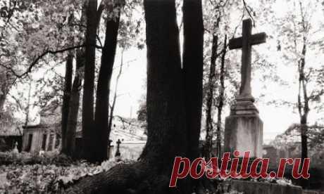 Почему нельзя ходить на кладбище после обеда? :: Сыктывкар :: RusNews
