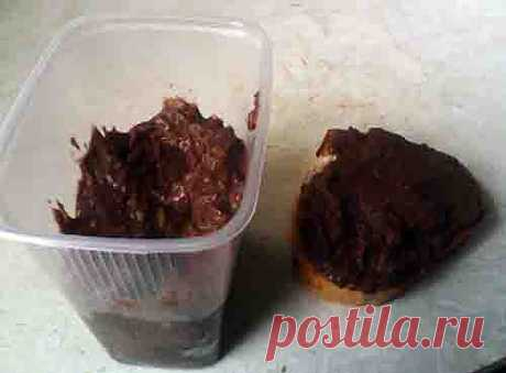Взяла тыквенный сироп, кусочки тыквы что разварились, какао, сливочное масло и начала готовить шоколадную пасту. Масса хорошо мажется на хлеб. Вкус тыквы, орехов и какао.  Шоколадная паста. | ЖИЗНЬ НА ПЕНСИИ