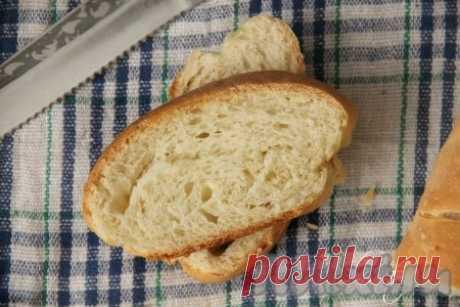 """Рецепт простого домашнего хлеба в духовке - рецепт с фото Этот рецепт приготовления простого домашнего хлеба в духовке подойдет даже для начинающих кулинаров. В этом рецепте нет ни опары, ни """"закваски"""", из-за которых многие опасаются печь хлеб. Рецепт настолько прост, что все продукты можно положить на глаз, не используя мерных весов, и вы всегда ..."""