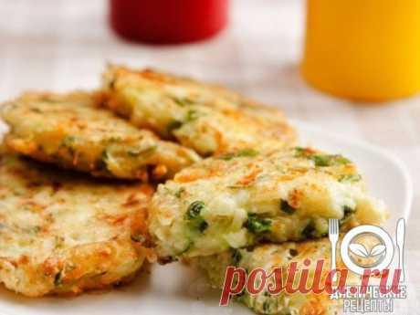 Vegetable marrows cutlets - it is simple and tasty! \u000aon 100 grams - 70.37 kkalb\/zh\/u - 3.37\/3.99\/5.69 \u000a\u000aIngredients: \u000aVegetable marrows — 2 pieces.\u000aOnions — 1 piece.\u000aEgg — 2 pieces.\u000aCheese — 100-150 g\u000aFlour — 4 tablespoons.\u000aGreens — to taste\u000aGarlic — 1 teeth\u000aSalt, fragrant black pepper to taste\u000aOlive oil for frying\u000aFor the recipe thanks to group Dietary recipes \u000a\u000aPreparation: \u000a1. We clear a vegetable marrow of a thin skin. We rub a vegetable marrow on a large grater.\u000a2. We add the onions too grated. Even small cut onions will be chuvst...