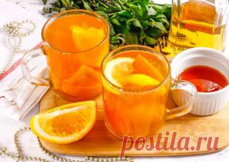 Апельсиновый пунш Ингредиенты: Апельсин — 1 шт.Вода горячая — 500 млМёд цветочный — 2 ч. л.Лимон — 2–3 ломтиковКорица молотая — 1 щепоткаЧай черный — 2 ч. л. заварки или 2 шт. чая в пакетикахКоньякили бренди — 100...