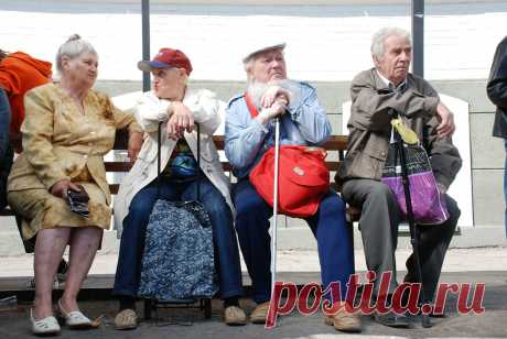 Вести.Ru: В ПФР объяснили, как платят пенсию работающим пенсионерам