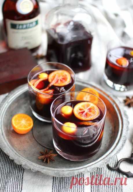Сохраняем и быстро беремся к приготовлению.Три витаминных напитка для зимы   1. Облепиховый чай Облепиха — это вкусное зимнее лекарство, обладающее сильным противовоспалительным и антиоксидантными действием благодаря содержанию витамина С и каротиноидов. Усиливаем целебный э…